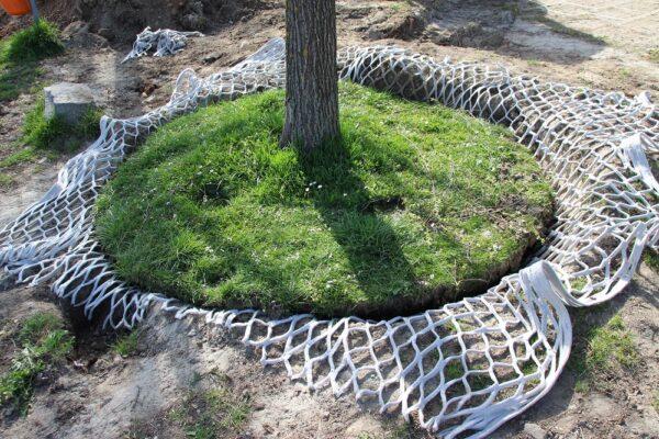 Bewässerung von Wurzeln und Bäumen durch das LITE-NET
